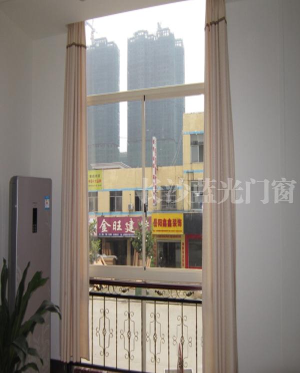 长沙蓝光新款隔热断桥(柏木纹+钛金电)      长沙金刚防蚊防护窗