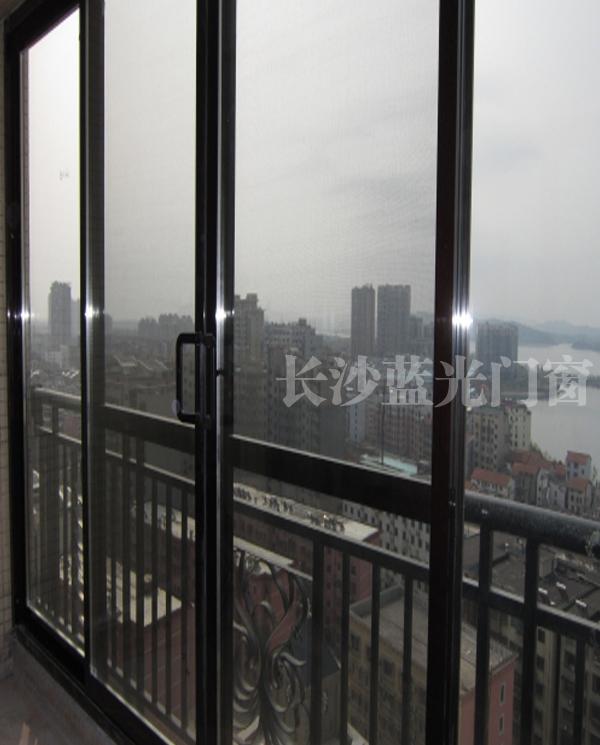 88A落地阳台                长沙金刚防蚊防护窗