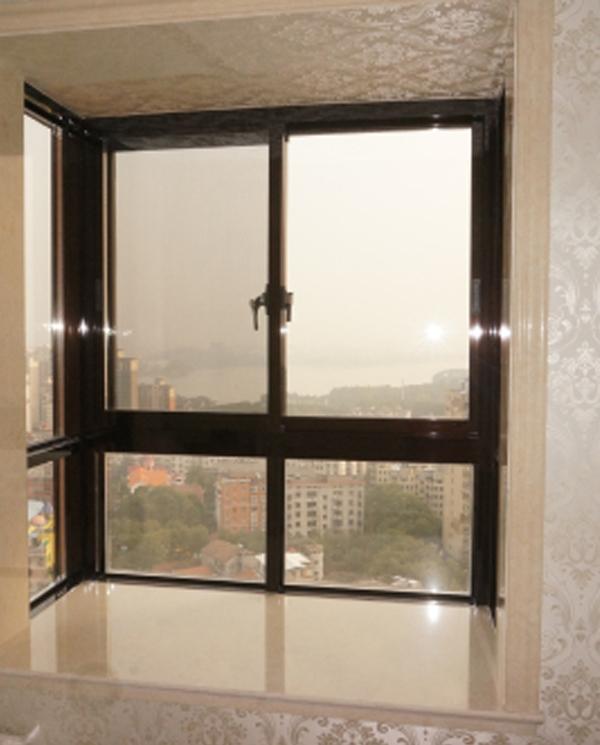 109高台防护窗               长沙推拉门窗厂家